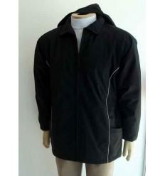 Jaqueta preta, com capuz e vivo branco de ótima qualidade, cód 589VP
