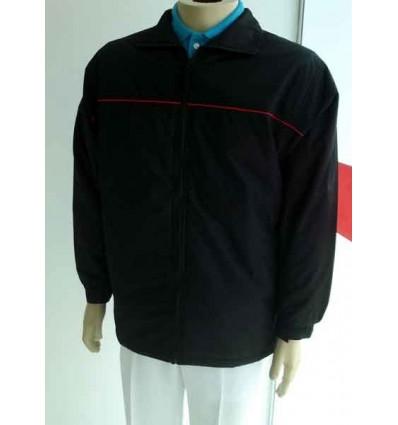 Jaqueta preta, com vivo vermelho, ótima qualidade, cód 589VV