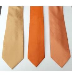 Kit com 3 gravatas nas cores laranja, salmão e amarela. Coleção nova de ótima qualidade em promoção