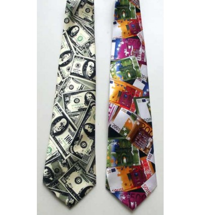 Kit com duas gravatas sendo uma com estampa euro e a outra dollar em tecido de poliéster, cód  1474-ED Entrega imediata com t