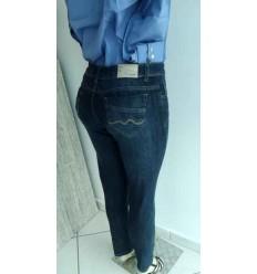 Calça feminina em jeans com  2% de elastano e 98% de algodão, bonita e de ótima qualidade, Cód 1531