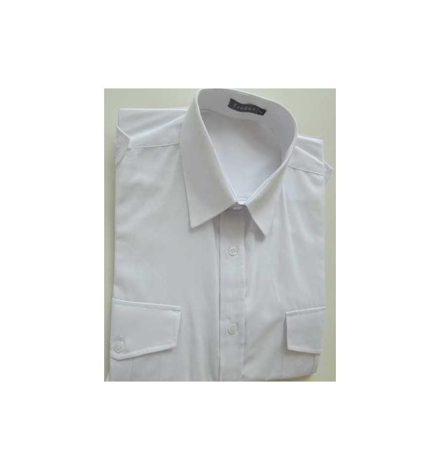 1bf788c71b ... Camisa branca com dois bolsos e galões nos ombros, manga curta em  tecido passa fácil ...