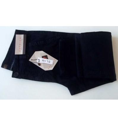 Calça slim masculina estonada de cor azul em tecido de composição 98% de Algodão e 2% Elastano, cód 1617