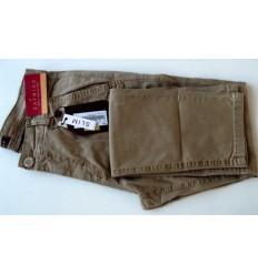 Calça slim masculina estonada de cor bege em tecido de composição 98% de algodão e 2% elastano, cód 1617