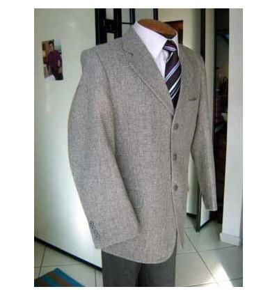 Blazer masculino cinza, em tecido de lã, modelo italiano com duas aberturas atrás, cód 605