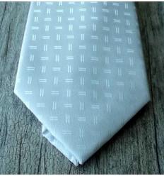 Gravata branca, design moderno, com ótimo acabamento. Cód 961DT